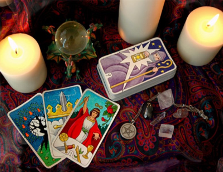 Eleven misconceptions about tarot cards and tarot reading